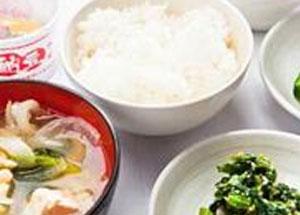 ごはん・納豆・お味噌汁。日本の定番メニューもあります。